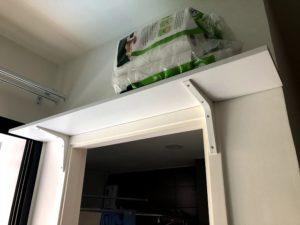 DIYで設置した白い棚