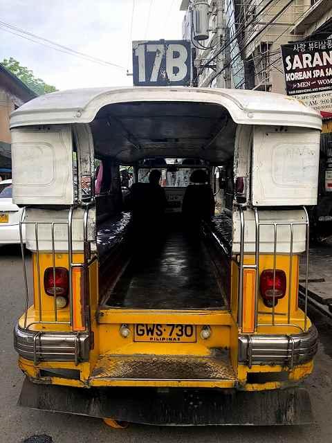 フィリピンの乗り物ジプニー